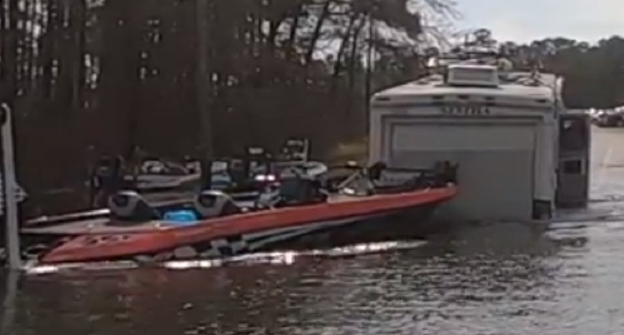 HOW NOT TO LOAD YOUR BASS BOAT