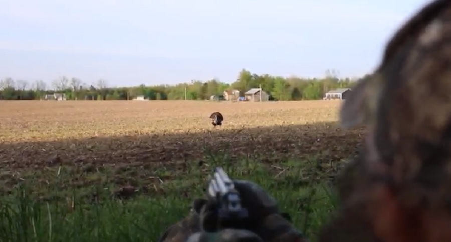 TURKEY HUNTING WITH A HANDGUN? BELIEVE THAT