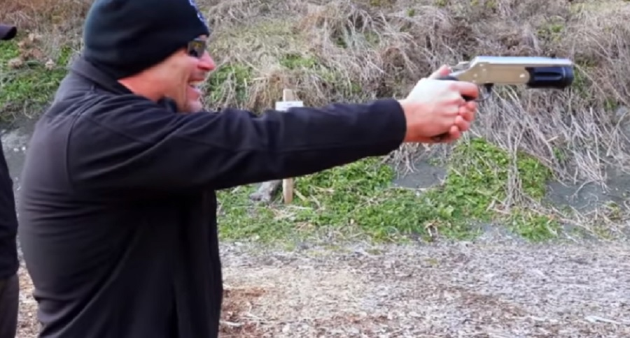 THE ROSSI 12 GAUGE PISTOL CHALLENGE (HIGH RECOIL VIDEO)
