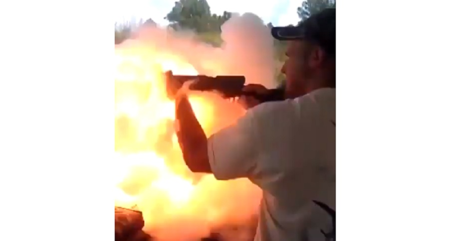 EPIC FAIL: HOW NOT TO SHOOT A MUZZLELOADER