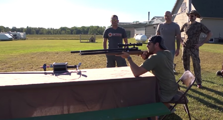 SUNDAY GUNDAY: .82 CALIBER HELIUM POWERED AIR RIFLE (IN ACTION)