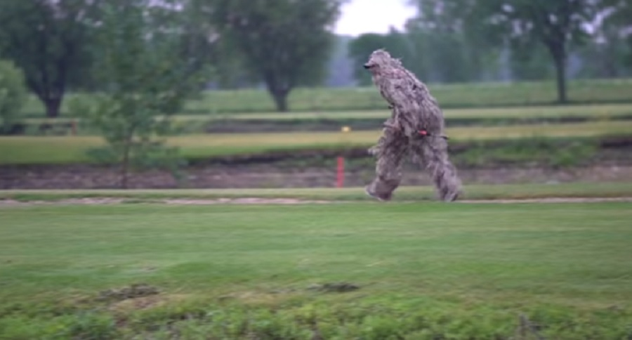 GOLF COURSE TRESPASSING ANGLERS TRY OUT GHILLIE SUITS