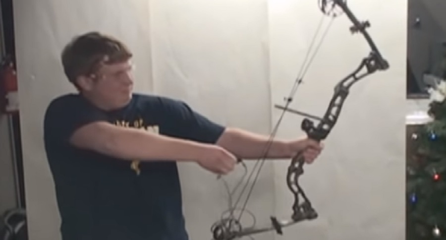 WHAT HAPPENS WHEN YOU DERAIL A BOW? OUCH (VIDEO)