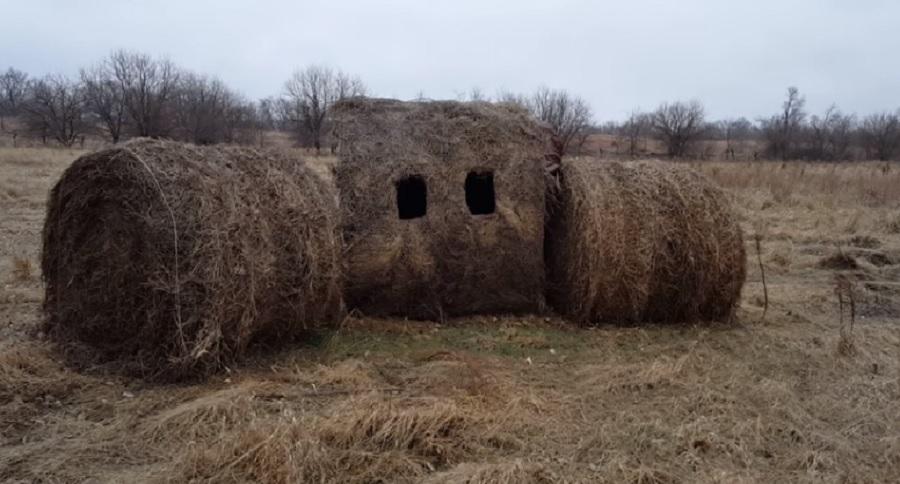 DIY HAY BALE HUNTING BLIND