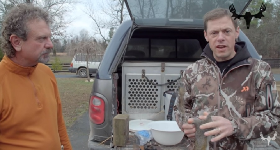 TAIL SKINNING SQUIRRELS WITH MEAT EATER (VIDEO)