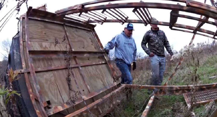 ELEVATED BLIND TUMBLES WITH HUNTERS INSIDE (VIDEO)