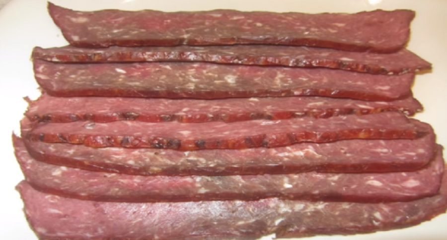 HOW TO MAKE YOUR OWN VENISON BACON (VIDEO)