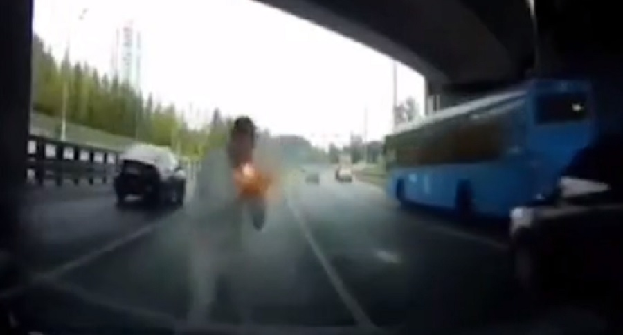 FLARE GUN: ANTI ROAD RAGE DEFENSE IN ACTION (VIDEO)